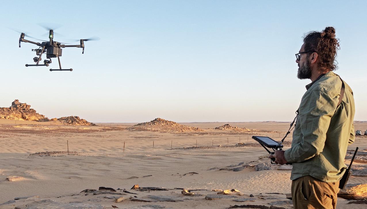 Chasse aux mines par drones, au Tchad. © Handicap International